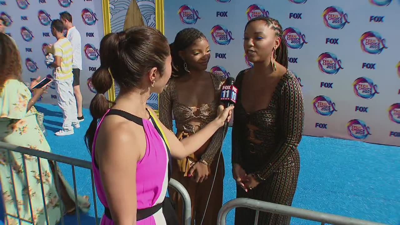 Julie Chang's highlights from the blue carpet at the Teen Choice Awards