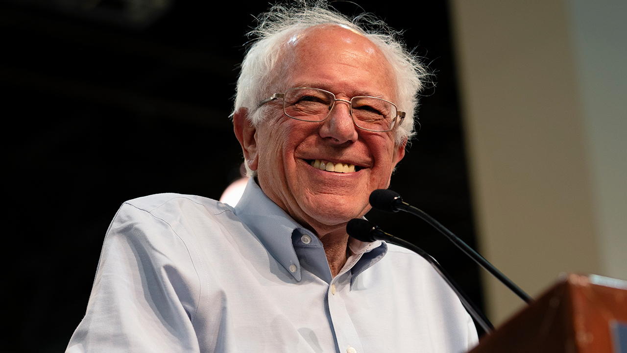 Bernie Sanders vows to divulge secrets about aliens if elected president